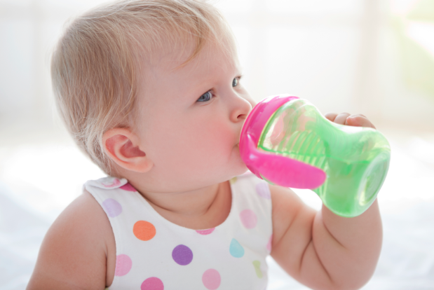 toddler-bottle-transition-with-sippy-cup