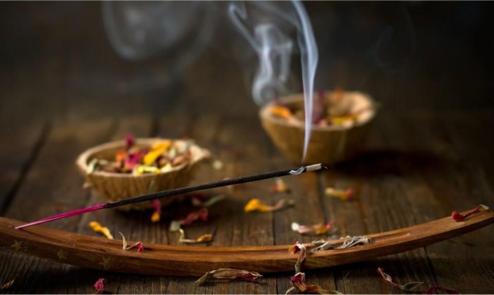 incense-1145x532-960x573