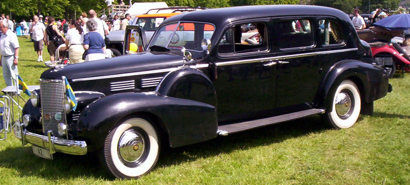 Cadillac_75_Imperial_Touring_Limousine_1938_2