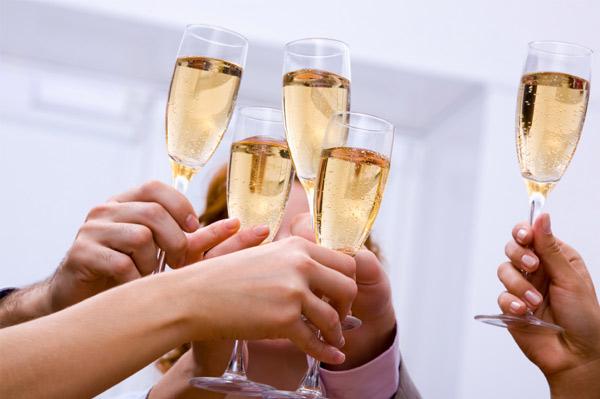 champane-toast_zc1o8h